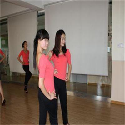 蒙太奇艺术培训学校