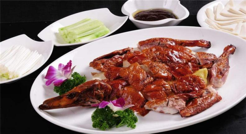老北京果木烤鸭加盟