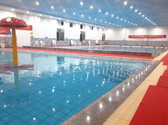 唯贏恒溫游泳館