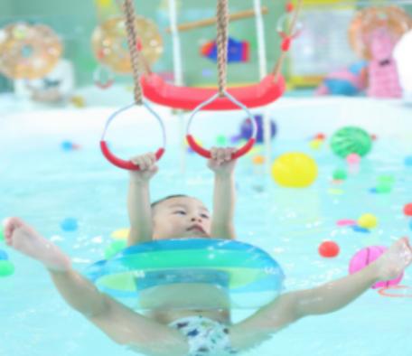 神州愛嬰嬰幼兒水育