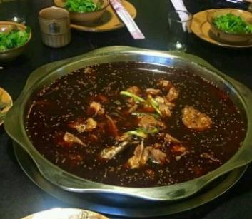 漁間道藤椒魚火鍋