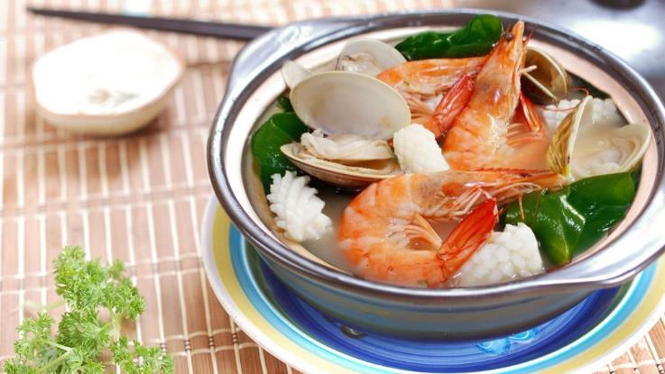 钦瓦台海鲜烧烤自助火锅加盟