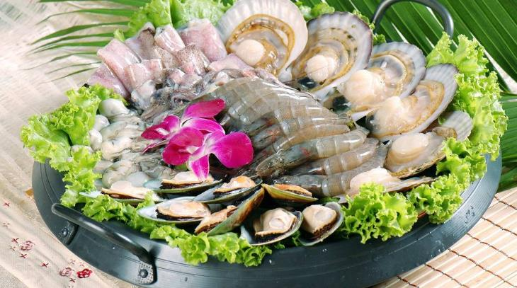 欽瓦臺海鮮燒烤自助火鍋加盟